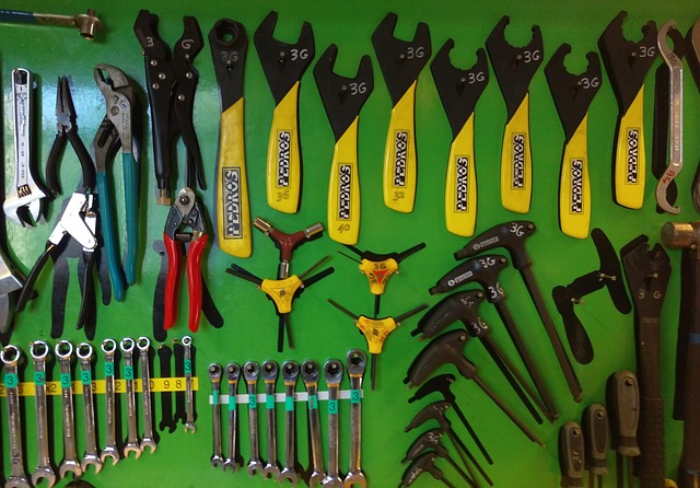 Now Easily get the best quality Garage Tools for yourself