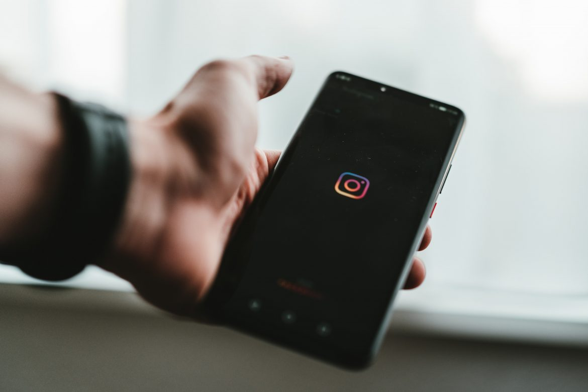 What are the elements of a reliable platform for buying Instagram likes?