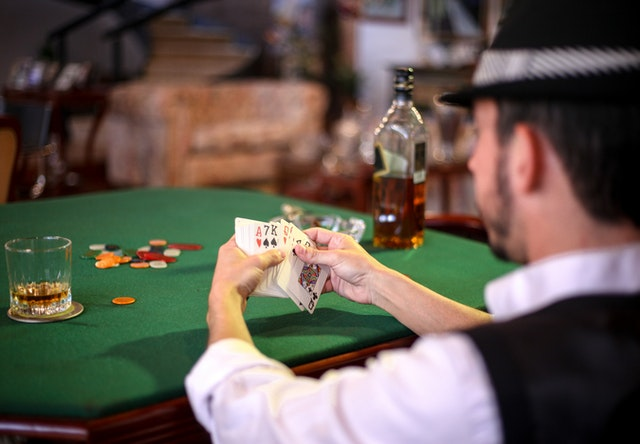 Online Casino Gambling – What Makes It Perfect For Gambling Lovers?